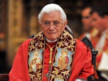 1419623733-papst-benedikt-xvi-3c09
